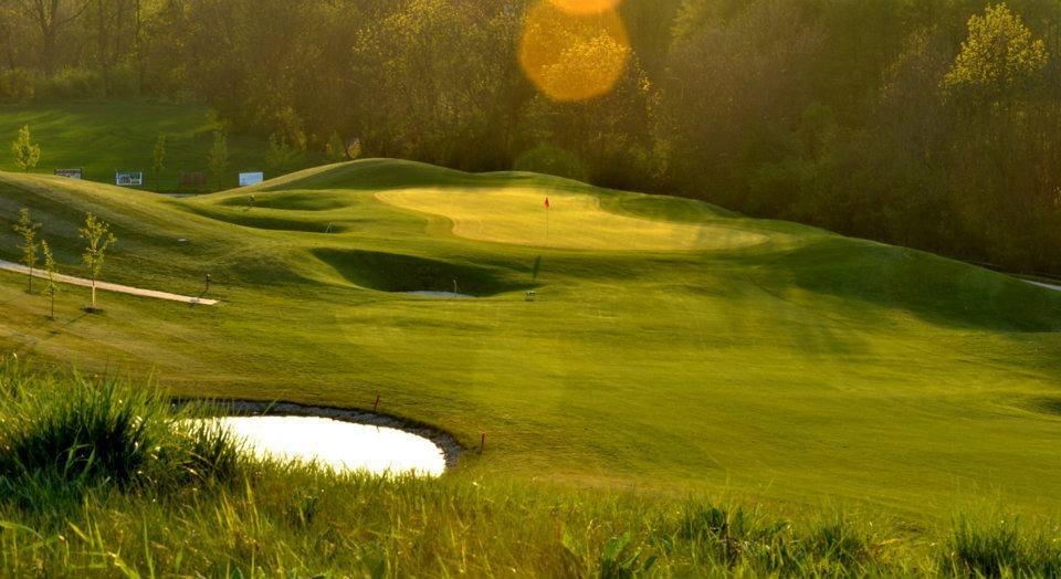Golf_Berovice_02.jpg