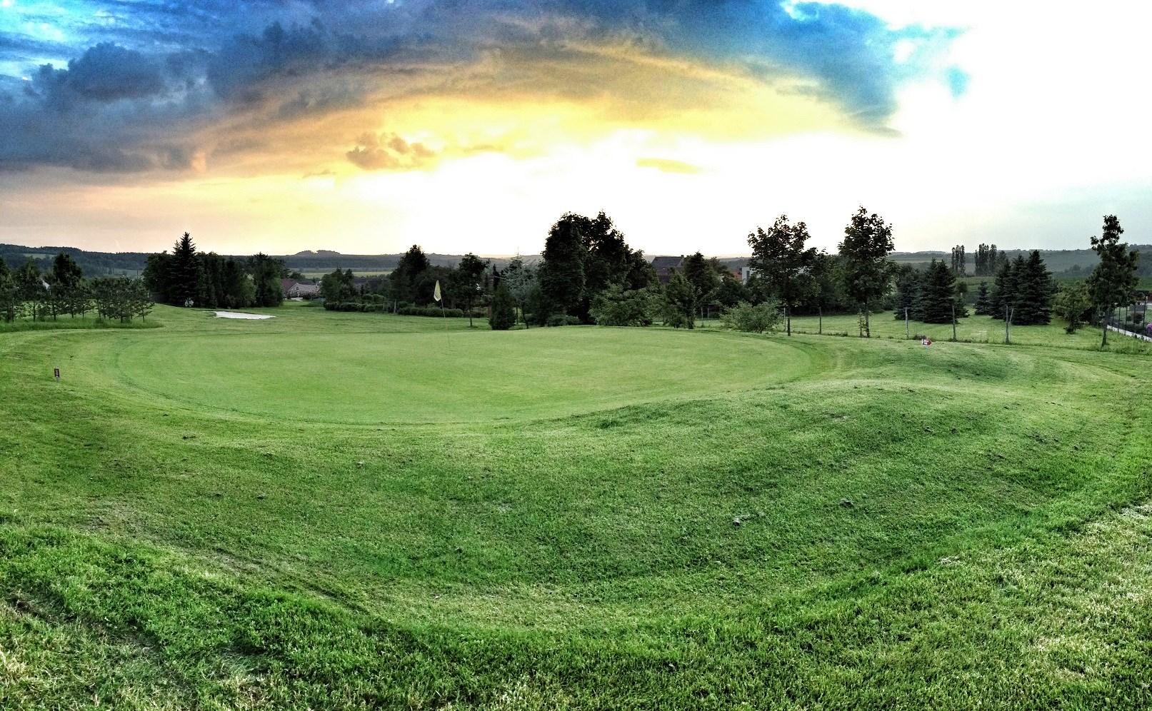 Golf_Horehledy_03.jpg