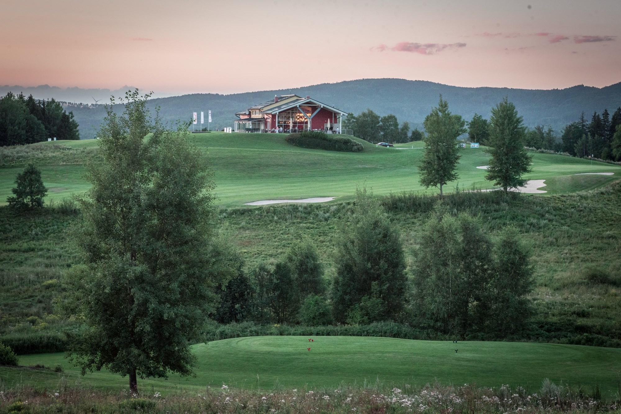 Golf_Ypsilon_02.JPG
