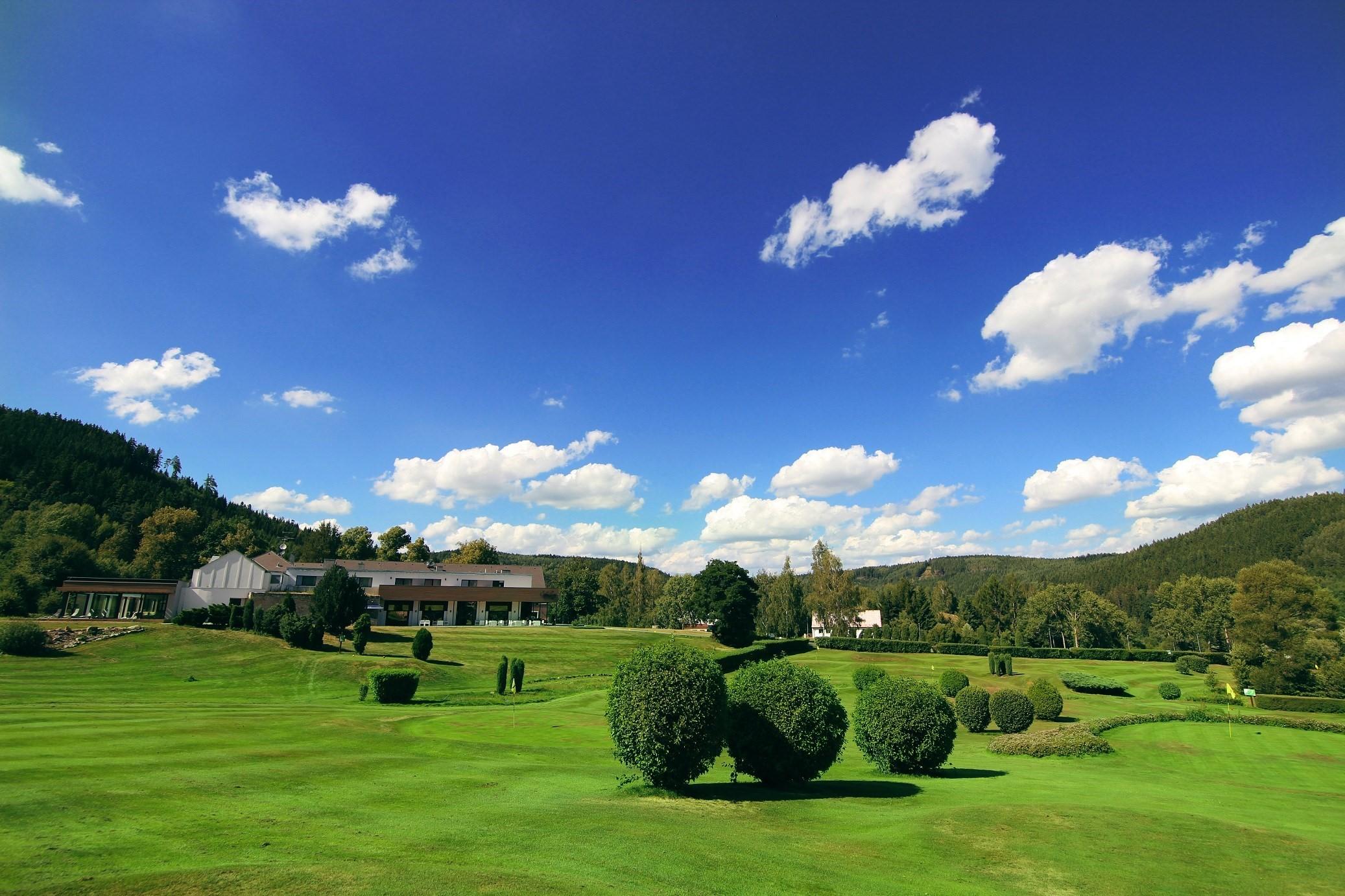 Golf_Resort_Cihelny_01.jpg