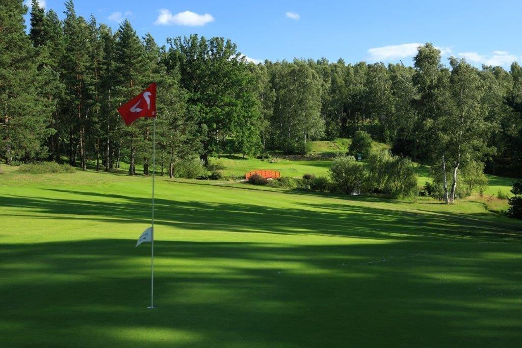 Golf_Karlovy_Vary_03.jpg